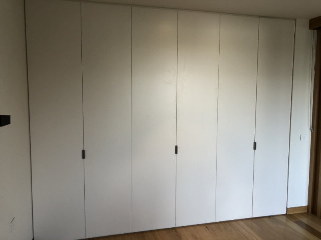 3 single wall beds closed